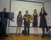 Петр Михайлович Чернышов-директор по продажам нашей компании - принимает почетный приз